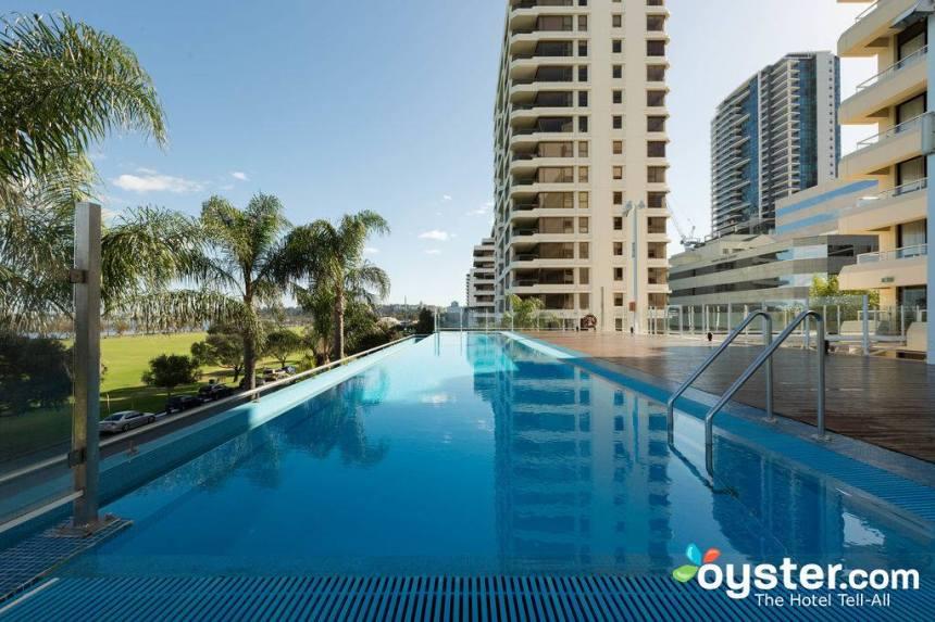 Crowne Plaza Perth Review