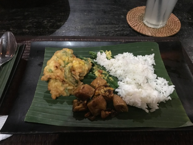 Bali - Bliss Sanctuary Canggu - Trying Tempeh and falling in love